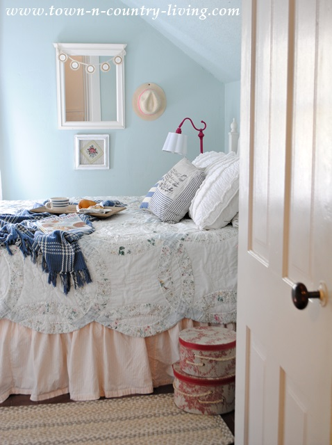 Farmhouse Bedroom with Wedding Ring Quilt