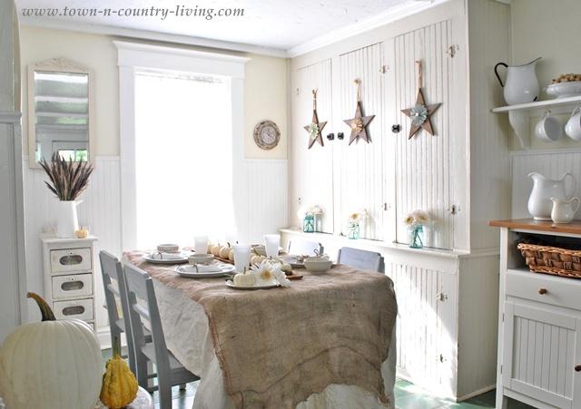 Farmhouse Kitchen Dining Nook
