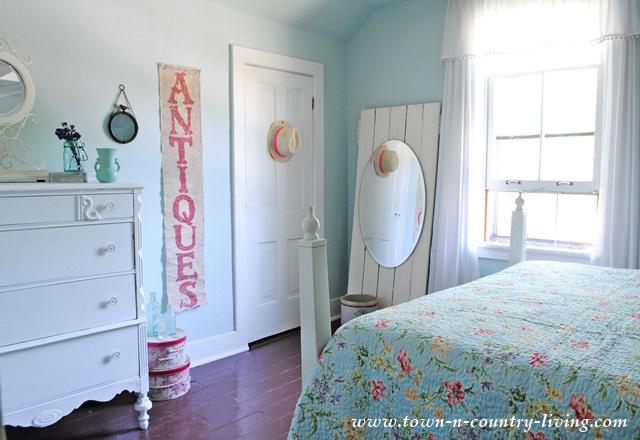 Summer Farmhouse Bedroom