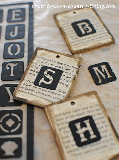 Making Place Cards for a Table Setting