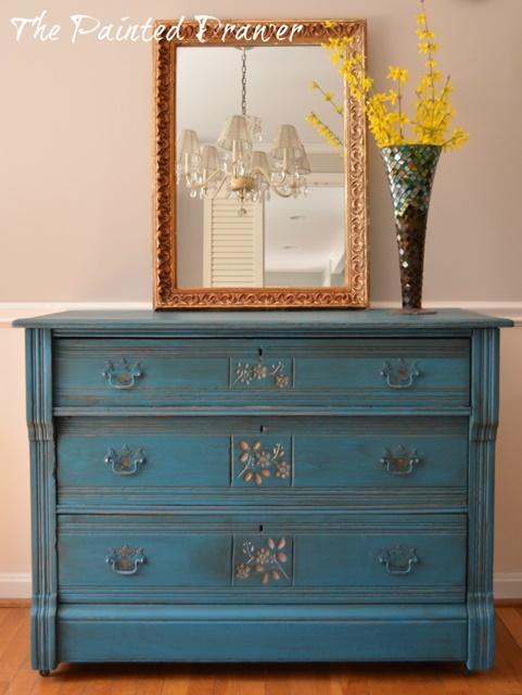 DIY Home Decor. Vintage Painted Dresser.