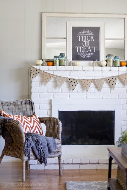 Trick or Treat Mantel