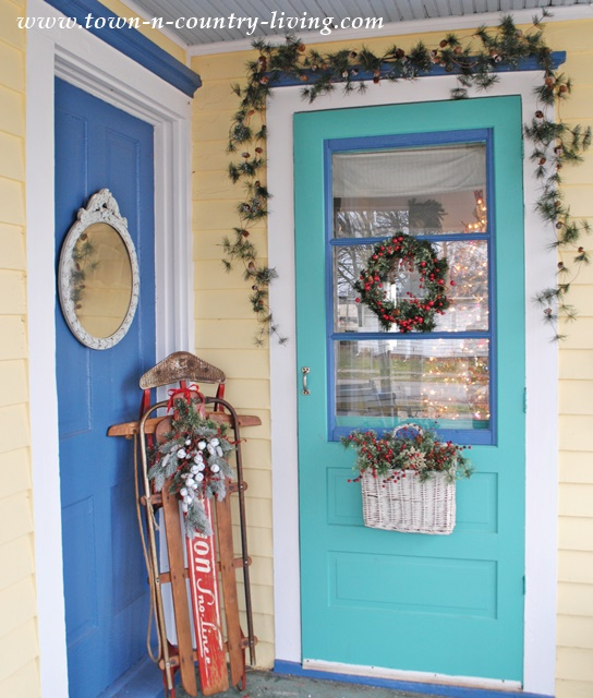 Christmas Decor on my Farmhouse Porch