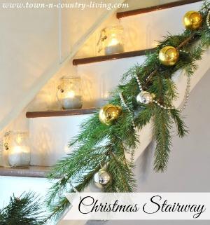 Farmhouse Christmas Stairway
