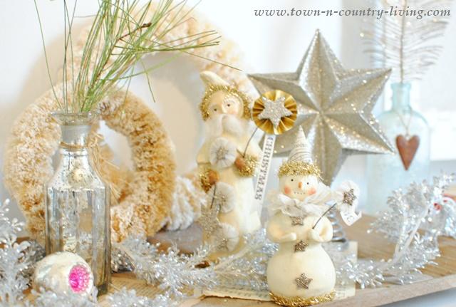 Shabby Chic Style Vintage Christmas Vignette