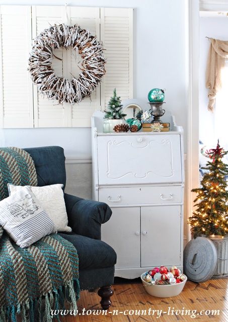 Country Living Christmas Decor