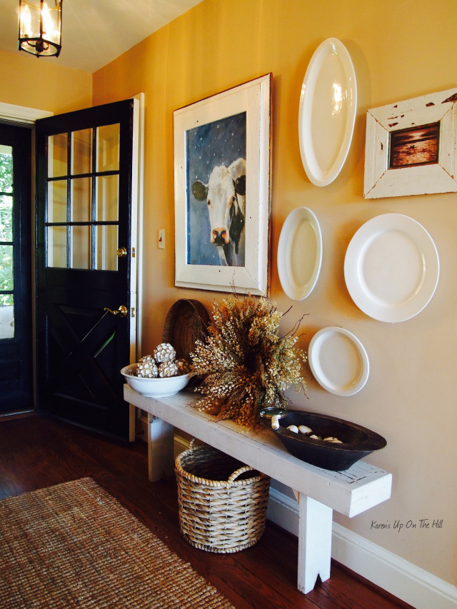 Home Decor. Country Style Entry Way