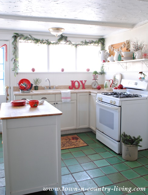 Christmas Farmhouse Kitchen