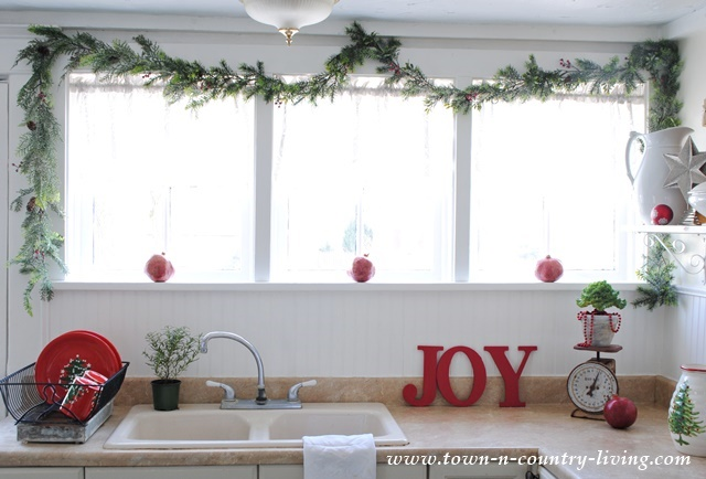 Christmas Home Tour. Touches of Red and Greenery in Farmhouse Kitchen