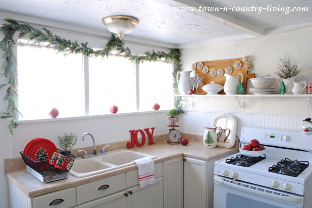 DIY Christmas Decor in Farmhouse Kitchen