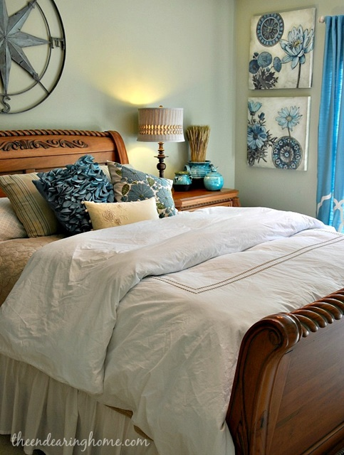 Traditional Style Guest Bedroom