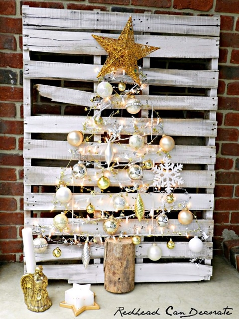 Shabby White Pallet Christmas Tree