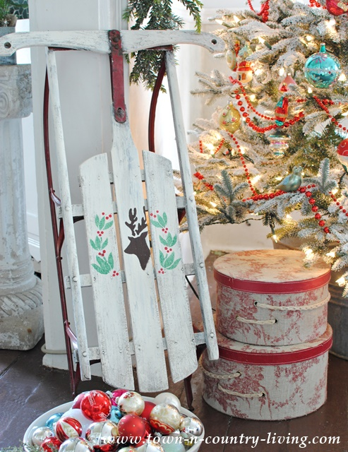 DIY Christmas Stencil Sled Project