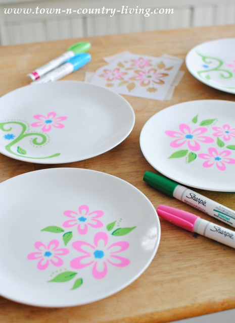 Decorating Dessert Plates with Stencils. See food safety info at the end of the instructions.