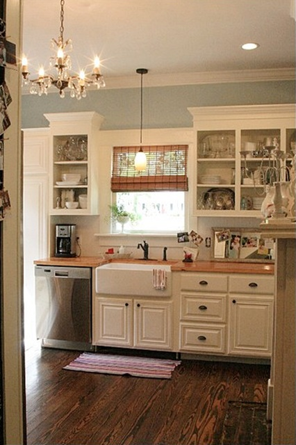 Cottage Kitchen at Skies of Parchment. See the entire home tour!