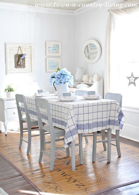 Blue and White Farmhouse Dining Room