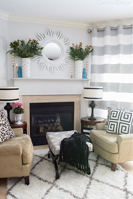 Traditional style living room with geometric prints
