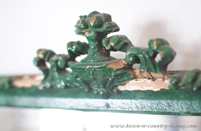 Chippy Green Mirror Details