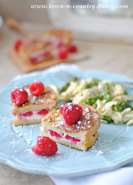 How to make raspberry stuffed French toast
