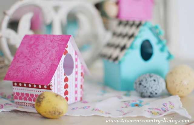 How to make paper birdhouses from decorative scrapbook paper.