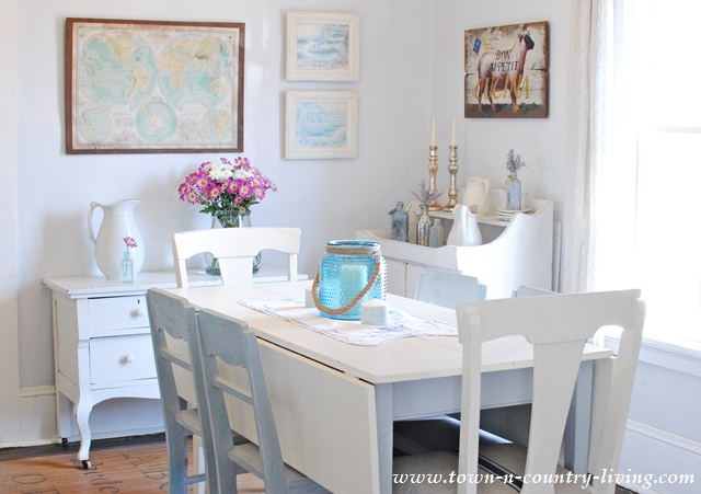 Farmhouse Dining Room Decorated for Spring