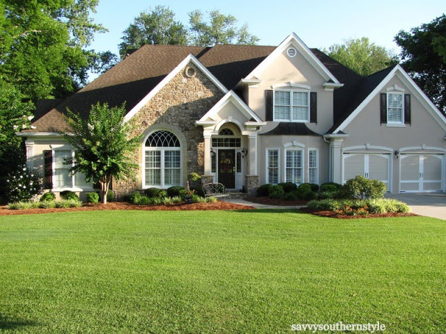 Traditional Style Home at Savvy Southern Style.