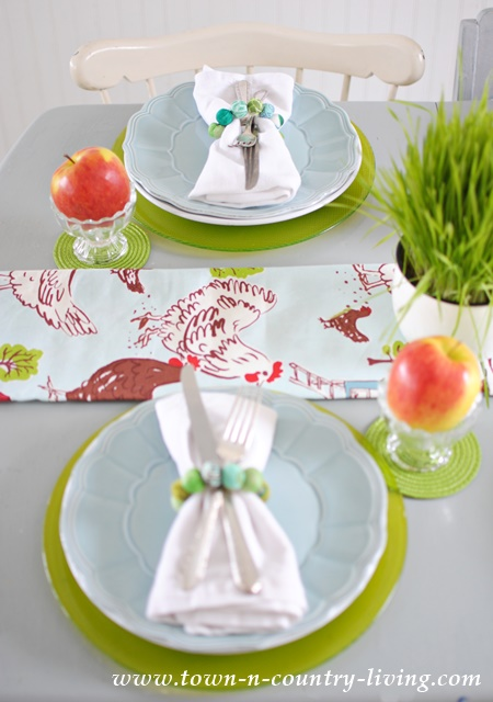 Farmhouse Style Spring Table Setting