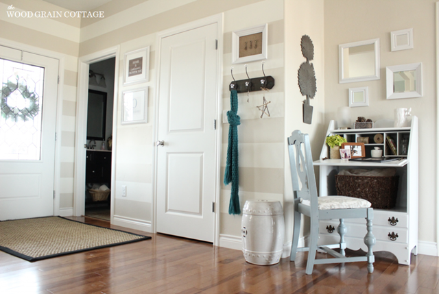 Neutral Entry Way