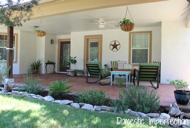 Expansive Front Porch in Texas