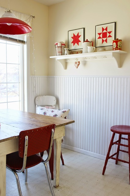 Cottage Style Dining Nook