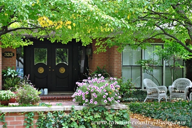 How to create curb appeal