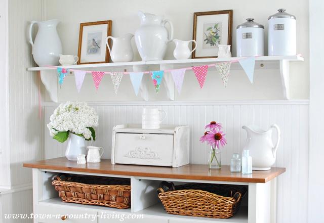 No-Sew Summer Banner in a Farmhouse Kitchen