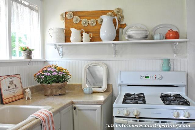 Fall Decor in My Farmhouse Kitchen