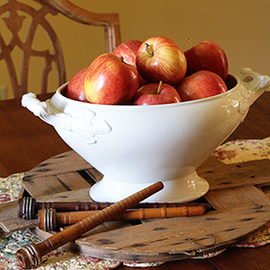 Farmhouse Apple Decor