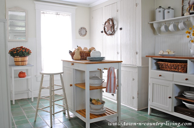 Fall Home Tour.  Farmhouse Kitchen