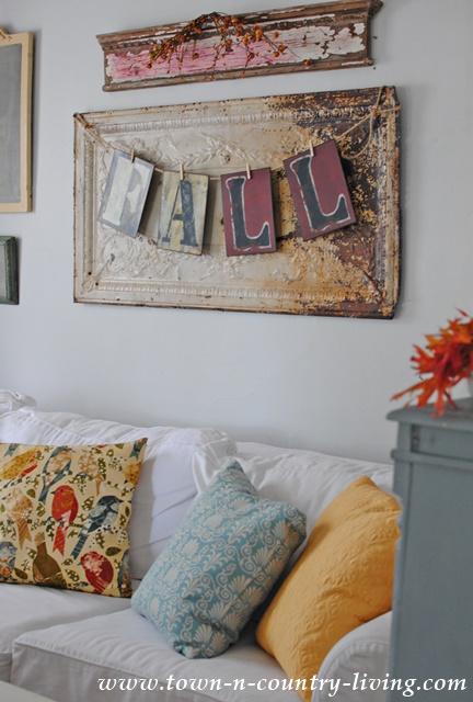 Fall Decor in a Farmhouse Family Room