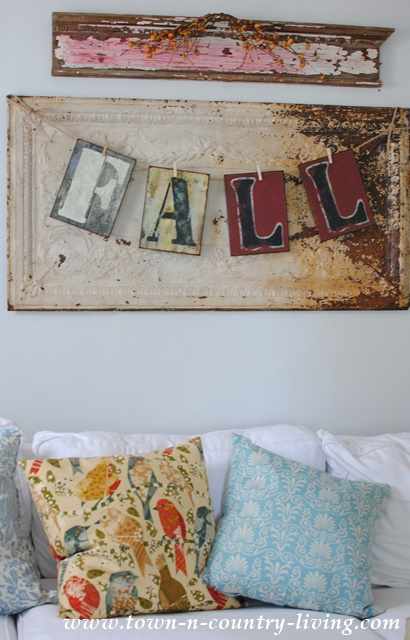 Fall Decor in Farmhouse Family Room