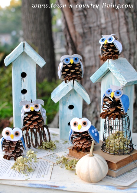 Woodland Vignette with Pine Cone Owls. See how to make them!