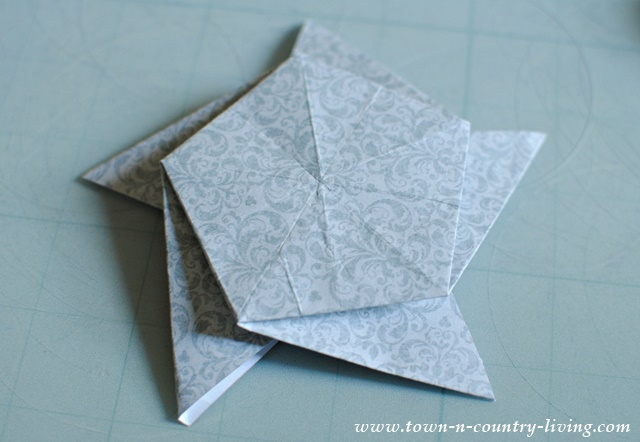 How to make an origami star